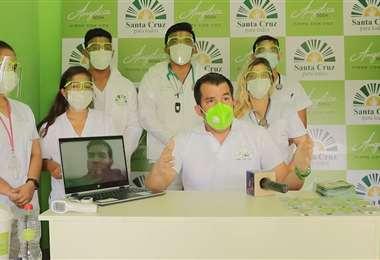 Áñez (centro) expuso las declaraciones de Negrete en conferencia de prensa