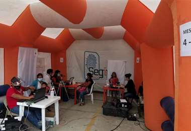Unidades móviles en el Segip para mejorar la atención