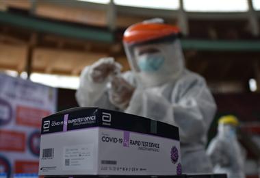 En Santa Cruz siguen aumentando los casos de Covid-19. Foto. ABI