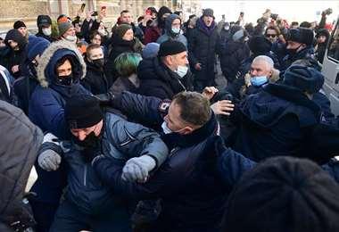 Al menos 2.500 detenidos en Rusia durante protestas en apoyo a Navalni