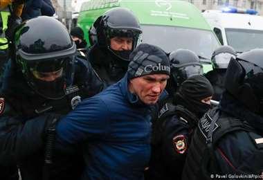 Decenas de detenciones en Rusia