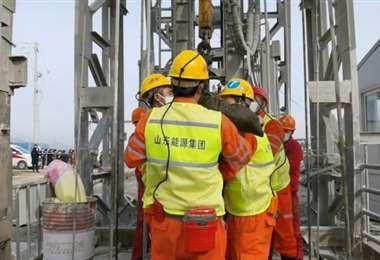 Rescatados 11 de los mineros atrapados