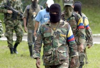FARC entierra su sigla de guerra en Colombia