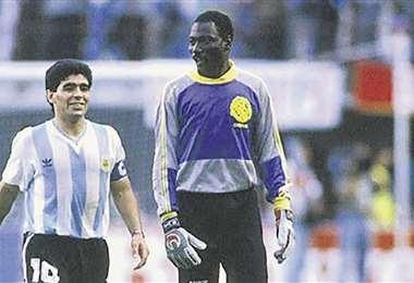 Maradona estuvo cerca de Bolívar, N'Kono fue arquero de la academia paceña