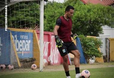 Wilson Quiñonez en su primer entrenamiento. Foto: Club Oriente Petrolero