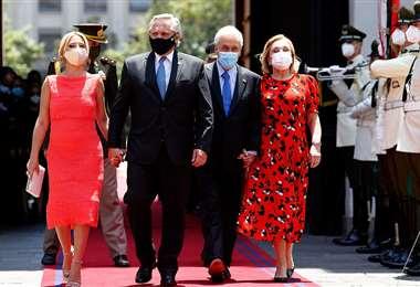 En su primera visita oficial a Chile, Fernández fue recibido por Piñera en La Moneda