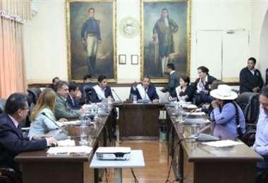 Concejo Municipal de Cochabamba aprueba 2 sanciones más en contra de Leyes