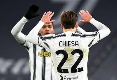 Chiesa celebra su gol. Juventus fue contundente este miércoles ante el Spal. Foto: AFP