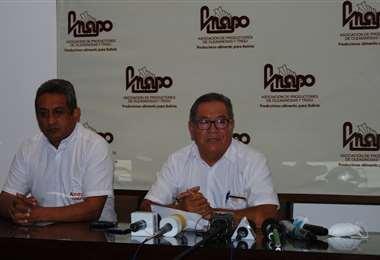 Flores, dcha, presidente de Anapo indicó que se encuentran en emergencia (Foto: Anapo)