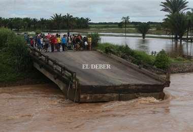 Así quedó el Puente Palometillas, 20 km antes de llegar a Buena Vista /F. Landívar
