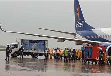 Las vacunas llegan hasta el aeropuerto Viru Viru