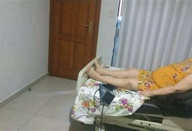 La anciana saturaba 92, con tanque de oxígeno