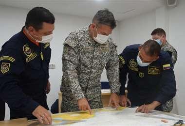 Militares colombianos continúan con la búsqueda del buque boliviano. Foto: Internet