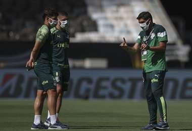 Ferreira con sus dirigidos en el Maracaná. Foto: AFP
