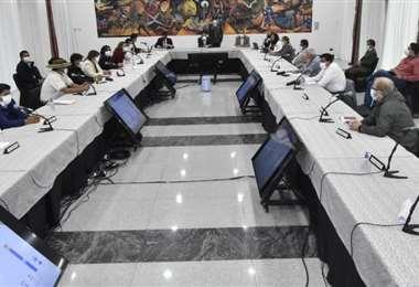 Empieza la reunión de gobernadores y Gobierno (Foto:ABI)