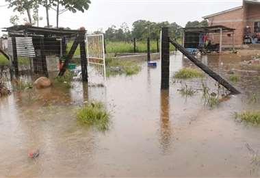 El agua ingresó a las viviendas, para intranquilidad de los vecinos