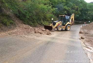 En la ruta a los valles existe maquinaria contratada por la ABC para cubrir emergencias