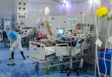 Los hospitales de Inglaterra contemplan trasladar a algunos pacientes