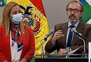 La conferencia de prensa conjunta Gobierno-alcaldes (Foto: ABI)