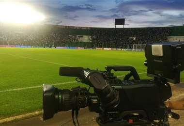 Los derechos de TV traerán conflictos al fútbol. Foto: Ricardo Montero