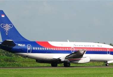 Un avión Boeing 737 de la compañía indonesia Sriwijaya Air se encuentra desaparecido