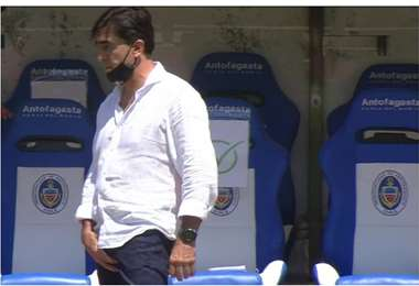 El momento del gesto vulgar de Quinteros. Foto internet