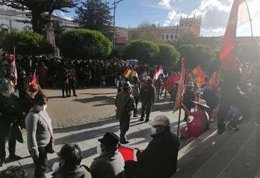 Las marchas se concentraron en la plaza 10 de Noviembre./Foto: Juan Carlos Salinas