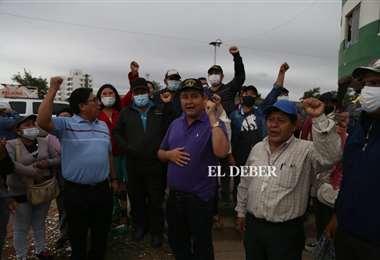 José Quiroz acude a los lotes para desbloquear. Foto: J. Ibáñez