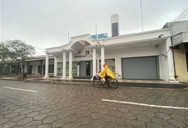 Las oficinas del SIN en la calle Ballivián lucen vacías. Foto: Sandra Quiroga