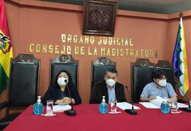 Los consejeros Mirtha Meneses y Marvin Molina denunciaron desaparición de documentación