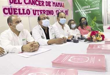 Autoridades piden a las mujeres que se hagan un diagnóstico