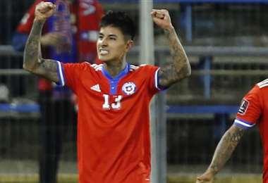 El chileno Erick Pulgar celebra la apertura del marcador. Foto: AFP