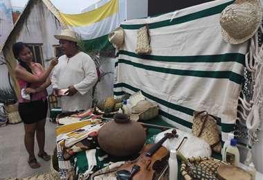 Hay tejidos y objetos elaborados en cusi de Guarayos