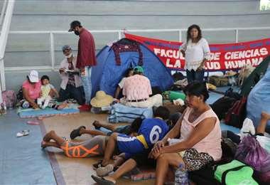 Los indígenas tendrán una asamblea en el polideportivo de la Uagrm/Foto EL DEBER