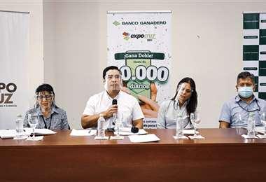 Conferencia de prensa donde anunciaron a los ganadores