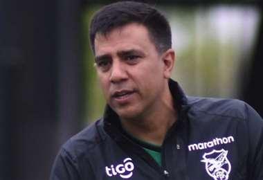 César Farías durante la práctica de la Verde, en Guayaquil. Foto: FBF