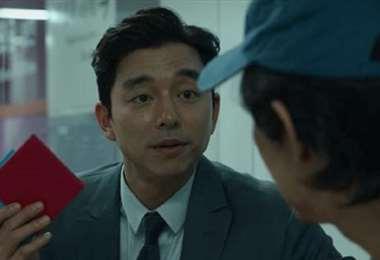 Gong Yoo, uno de los actores más famosos de Corea del Sur, encarna al 'Reclutador'