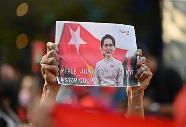 Aung San Suu Kyi, premio Nobel de la Paz