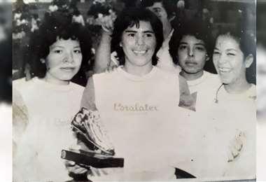 A Ana María la apodaron como la Pelé por su habilidad en la cancha