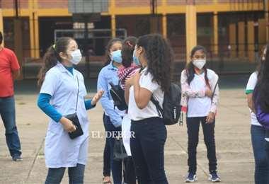 Estudiantes participan del inicio de clases. Foto: Juan Carlos Torrejon