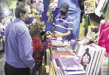 La venta de material escolar se ha incrementado | Foto: EL DEBER
