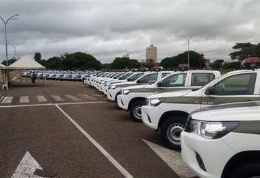 Gobernación entrega 26 vehículos a la policía