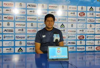 Eduardo Villegas, DT de Blooming. Foto: Captura video