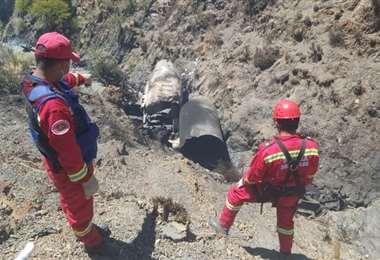 Rescatistas llegaron al lugar para levantar los restos del accidente