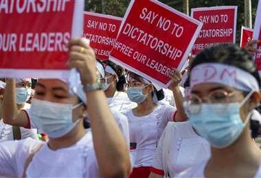Protesta contra golpe de Estado en Birmania/Foto: AFP