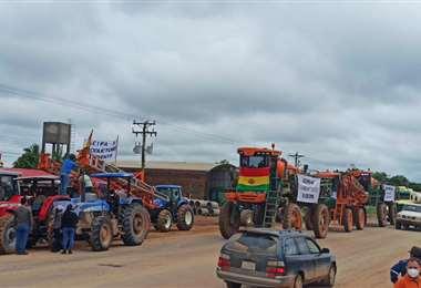 """El viernes los soyeros llevaron a cabo un """"tractorazo"""" de protesta"""