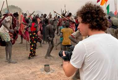 Luisito Comunica estuvo en varios países de África
