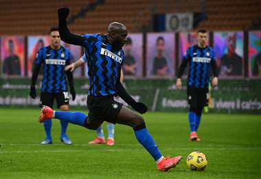 Lukaku fue la figura este domingo en el triunfo del Inter. Foto: AFP