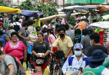 La población salió a las calles, pese a la cuarentena rígida I Ricardo Montero.