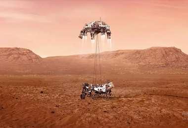 Recreación del rover Perseverance en el momento de su aterrizaje en Marte